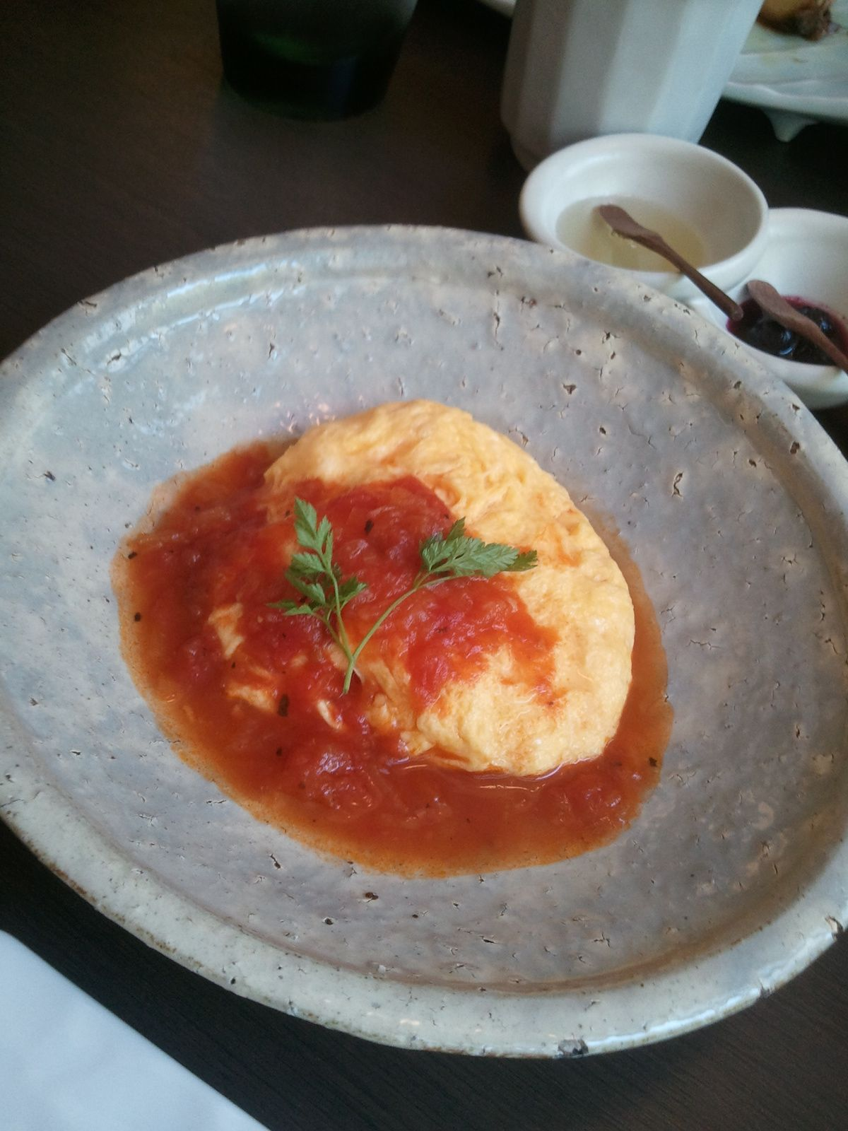"Breakfast ""Fufu"" Atami source of fresh tomato omelette"