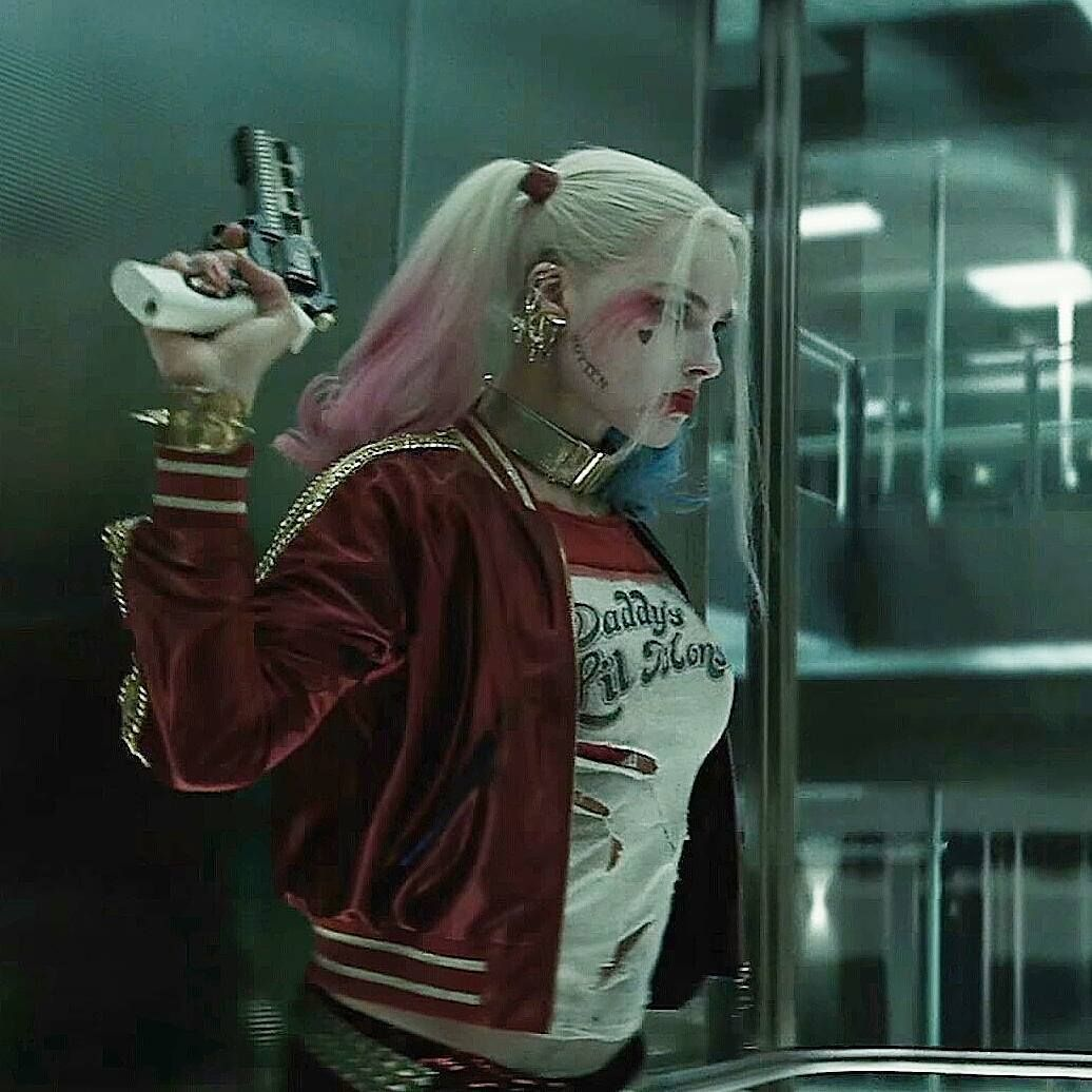 In my opinion, this is one of the best scenes in the film. What is your favourite scene from Suicide Squad?