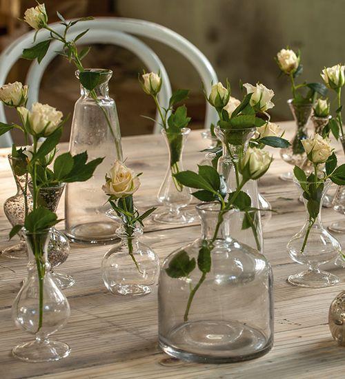 Diese zauberhaften und zierlichen Vasen verschönern jedes Zuhause im shabby-chic-, vintage-und landhausstil. Schaut vorbei unter: http://www.amelies.ch/