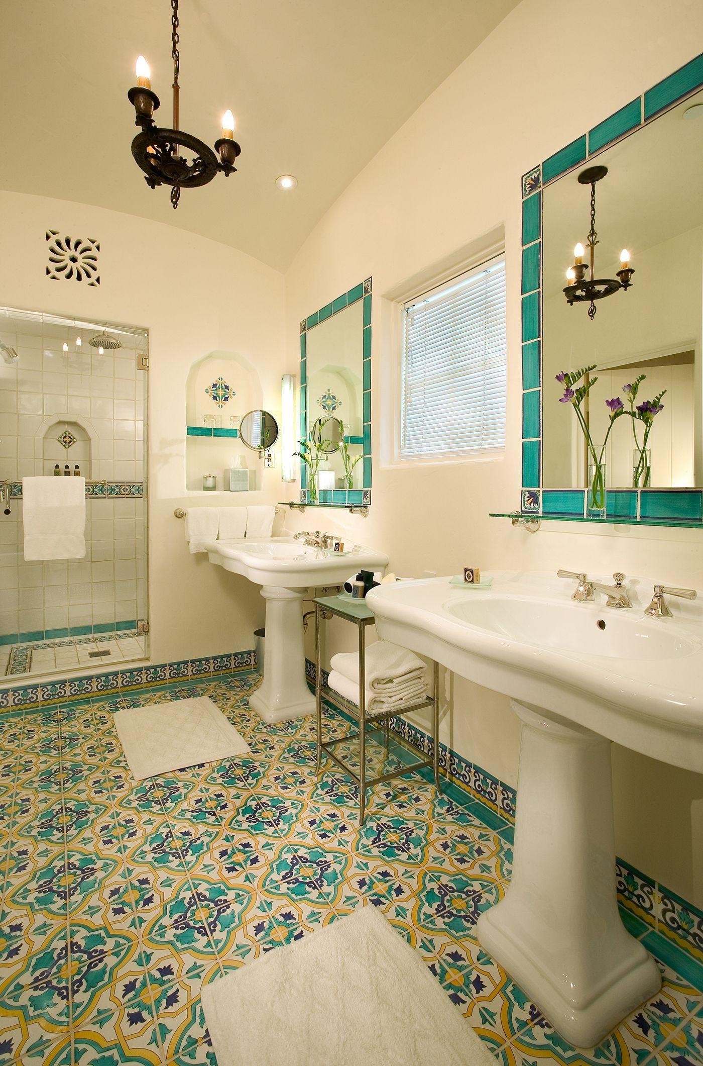 15++ Spanish bathroom information