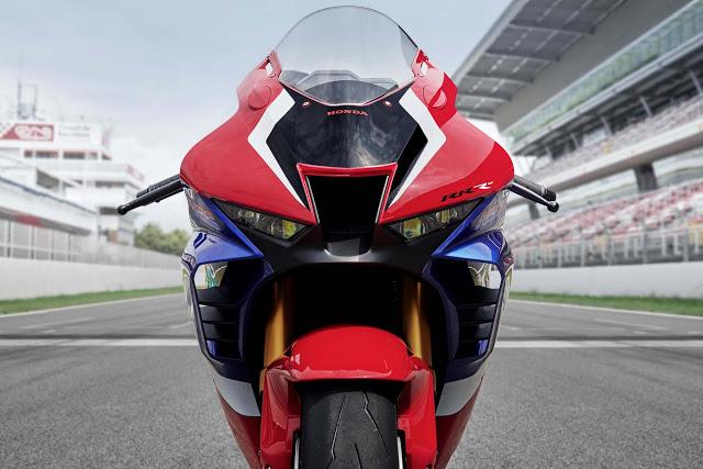 Honda Cbr1000rr R Superbike 2020 Photos 4riders Kai Motosykleta Honda Fireblade Honda Honda Cbr 1000rr