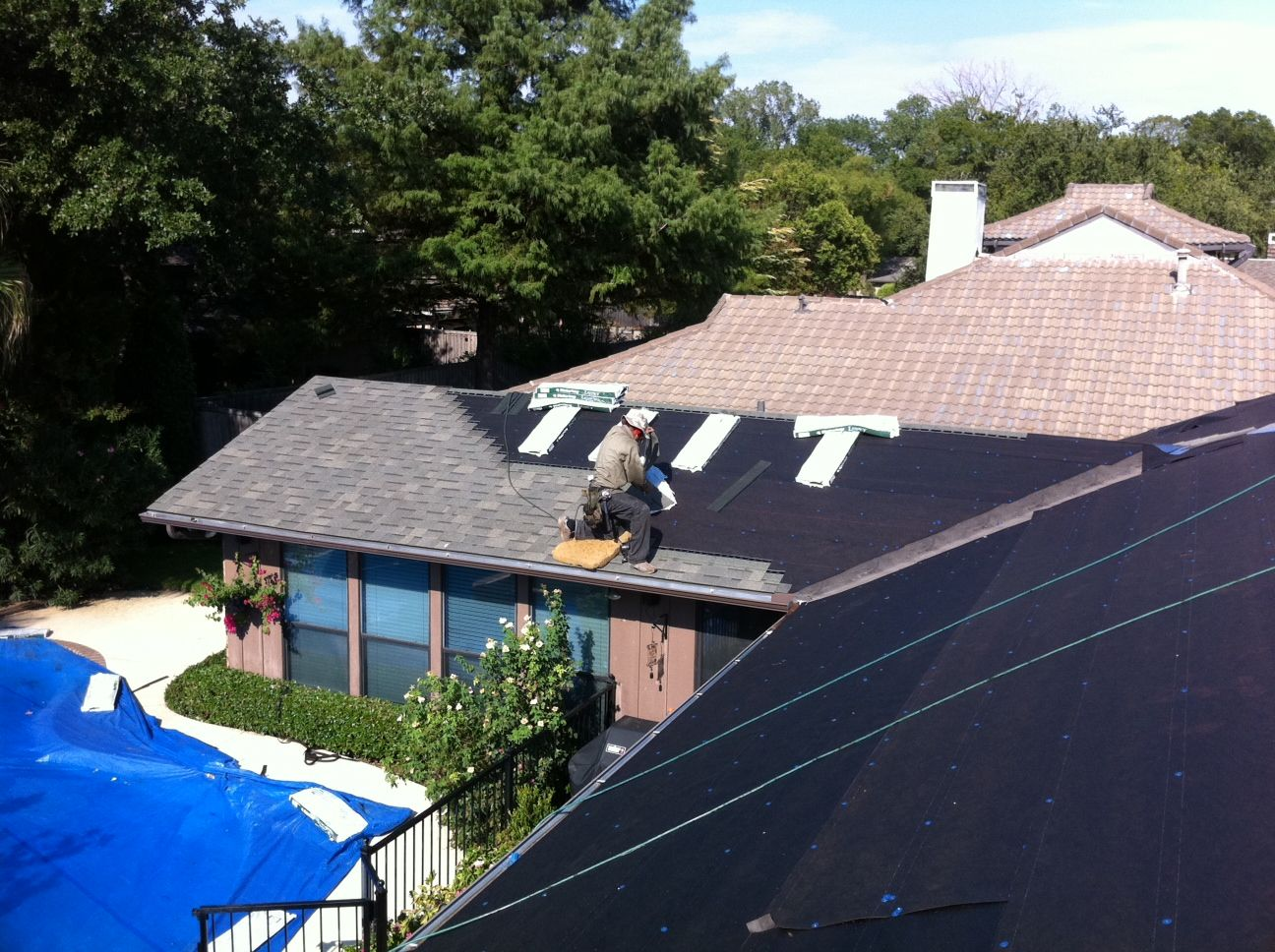 Replacing A Hail Damaged Roof With Malarkey Impact Resistant Shingle Austin Tx Roof Repair Roofing Shingling