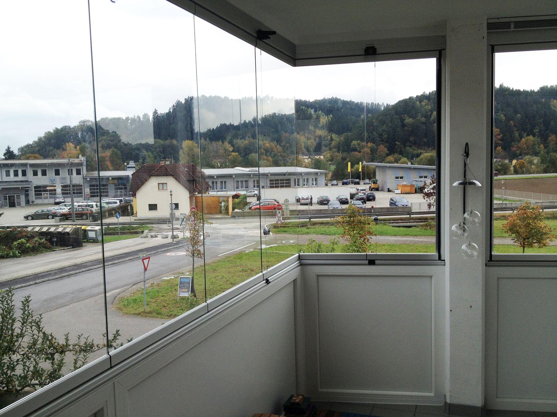 Windschutz Balkon Transparent Glasschiebefenster Faltelemente