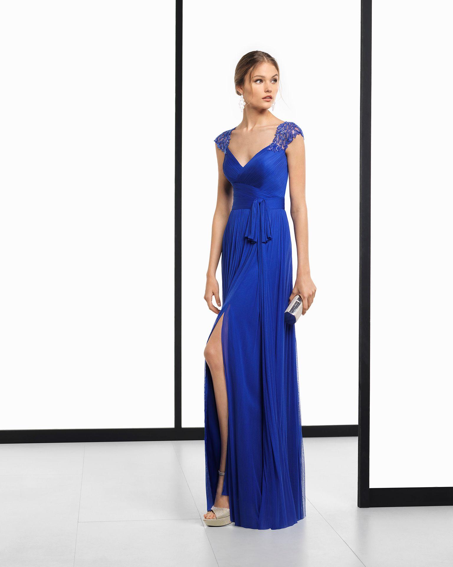 36d408ef70 Vestido de fiesta largo de muselina seda y pedrería en color cobalto