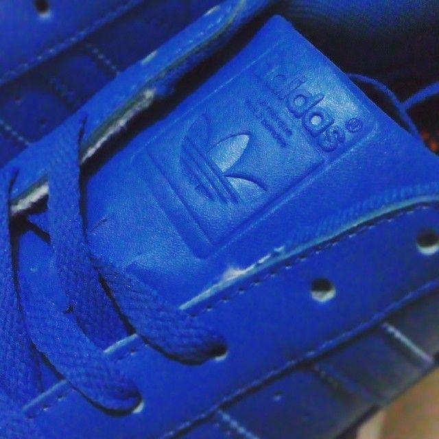"adolescente Subvención idioma  N9 on Instagram: ""/// The Brand With The 3 Stripes Die Weltmarke Mit Den 3  Streifen La Marque Aux 3 Bandes #… | La marque, Adidas superstar, Nike air  force sneaker"