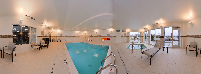 Courtyard Detroit Farmington Hills Pool Holiday Holidays