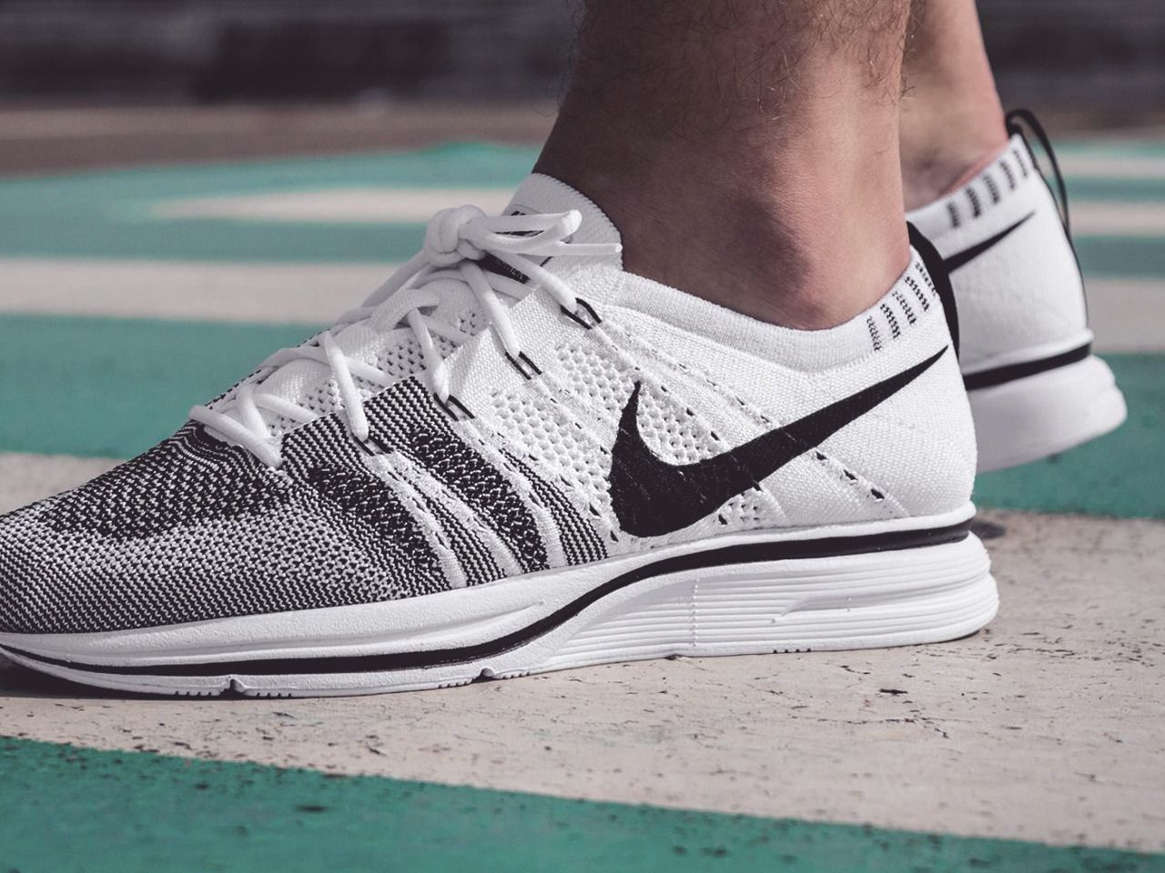 Nike Flyknit Trainer - White/Black - 2017 (by aymonnb)