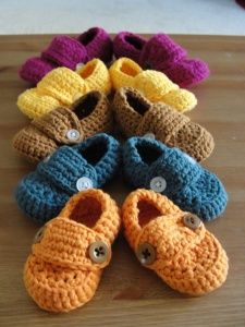 Crochet Loafers for baby/kid. This would be awesome if I could how to do…