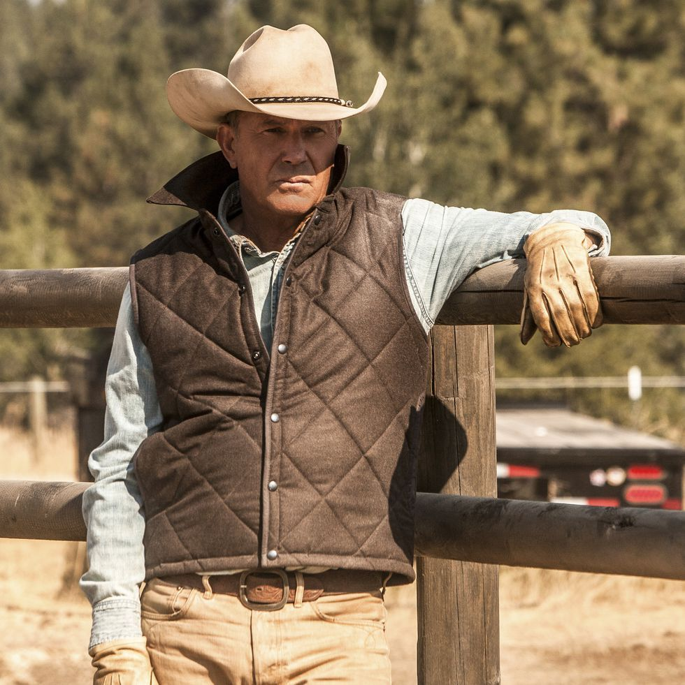 Yellowstone Is One Of The Most Watched Shows On Tv Here S What You Need To Know For Season Two Kevin Costner Cowboy Outfits Cool Watches [ 981 x 980 Pixel ]