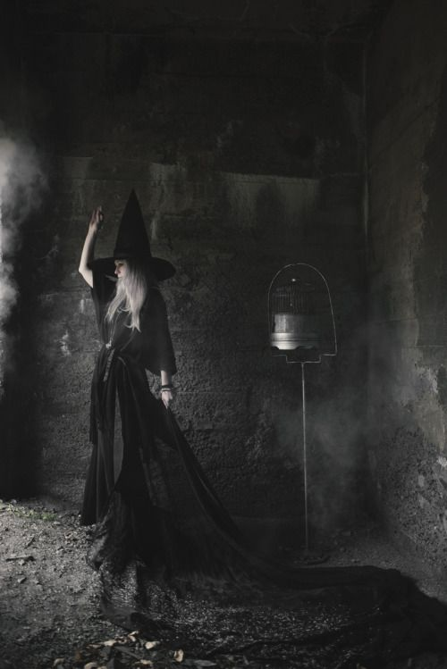Darkbeautymag Dark Beauty Witch Pictures Dark Beauty Photography