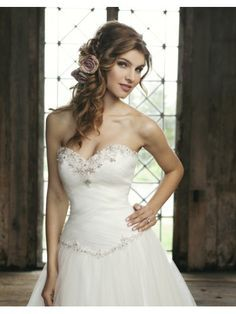 Hair for Strapless Wedding Dress