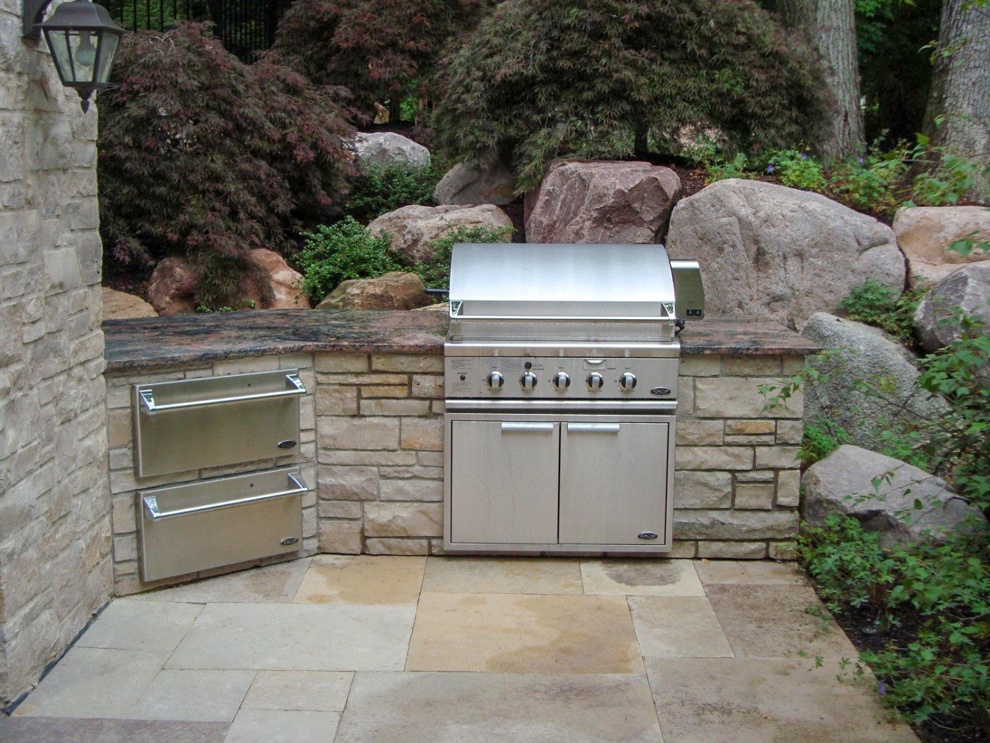 designing stunning outdoor kitchens with natural stone use natural stone outdoor kitchen on outdoor kitchen natural id=95754