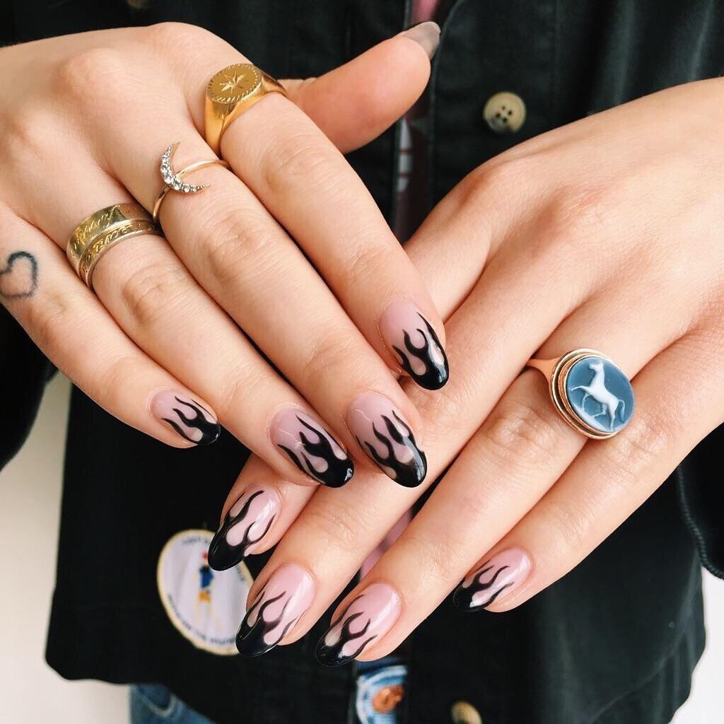 40+ Elegant Nail Art Design Ideas For Winter 2019   Idées