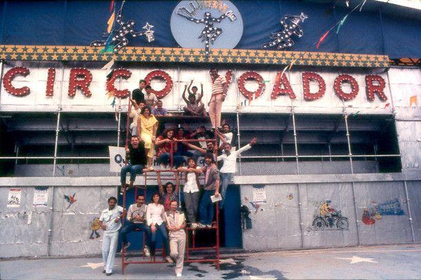 Equipe do Circo Voador em 1985, início dos anos de Lapa (Foto: Divulgação)