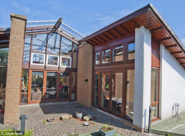 House With A Heart Of Glass A 90s Idea Of The Future On The Market For 345 000 House House Styles Outdoor Decor