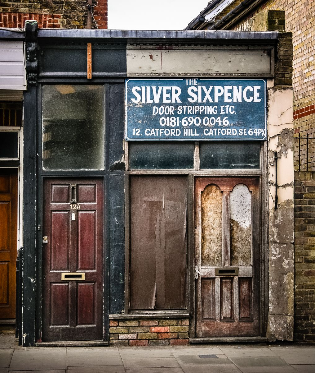 Leftoverlondoner: The Silver Sixpence, 12 Catford Hill