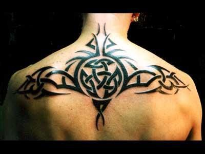 Tatouage Tribal Haut Du Dos Tattoo Idea Men Pinterest