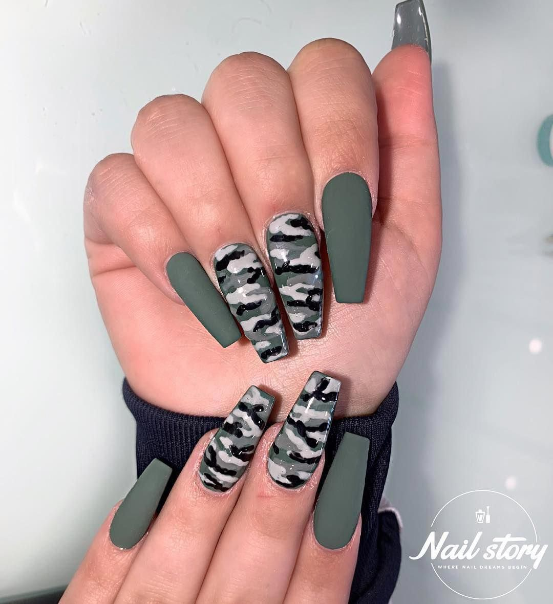You Didn T See This Coming Matte Olive Army Green Coffin Nails With Camouflage Nail De Camouflage Nails Cute Acrylic Nails Cute Nail Colors