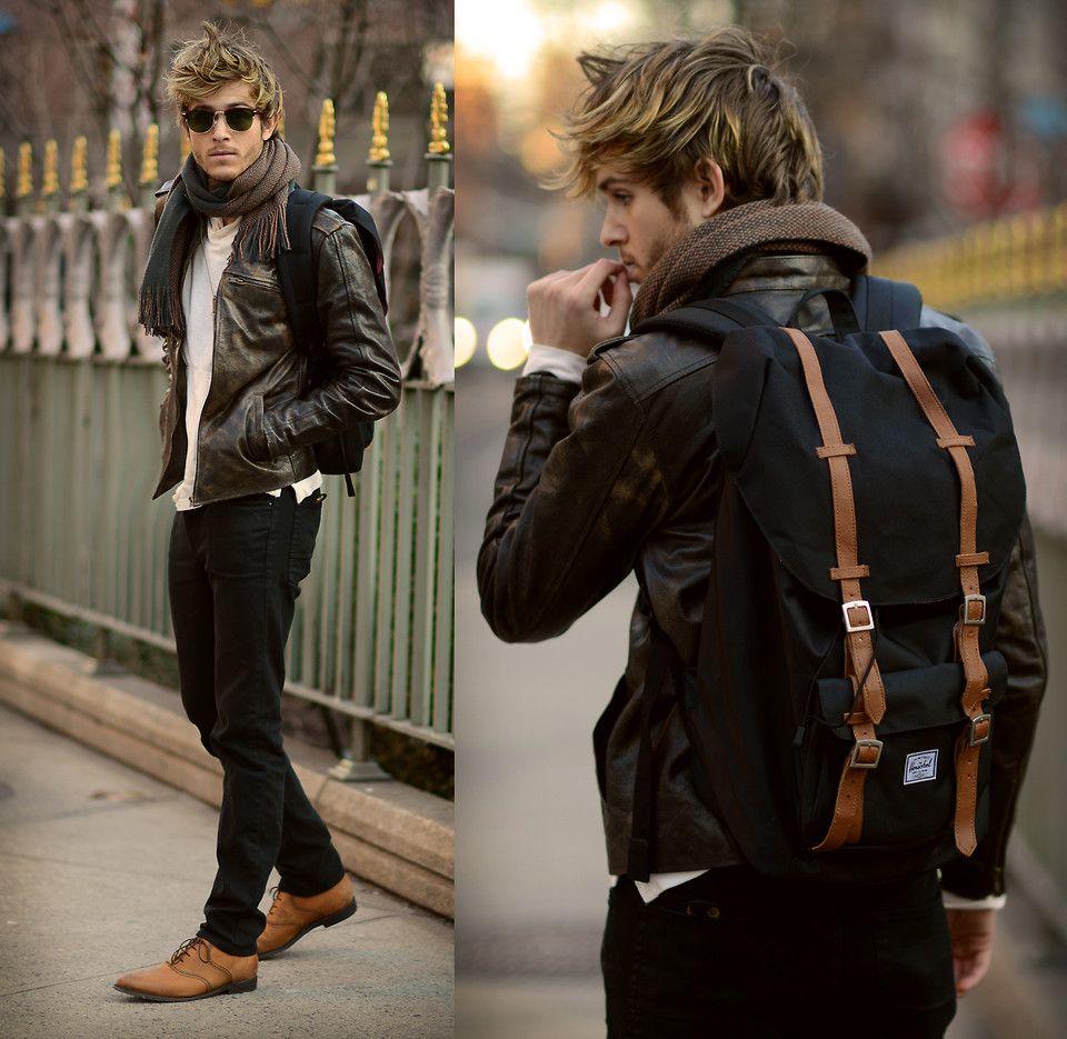 56e79567c1 Herschel Little America Backpack