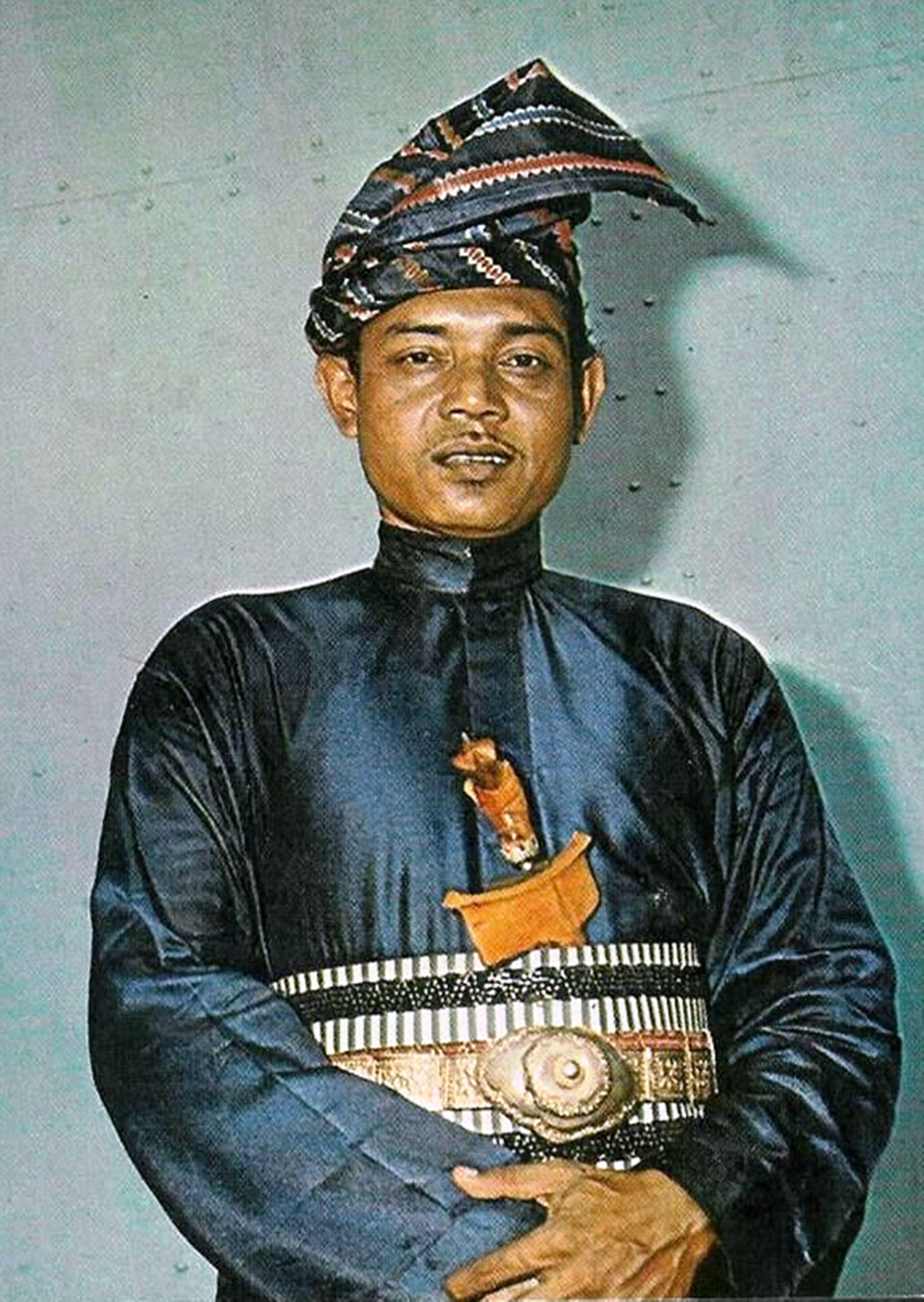 Actor Arwahyarham Noordin Ahmad in Malay regalia