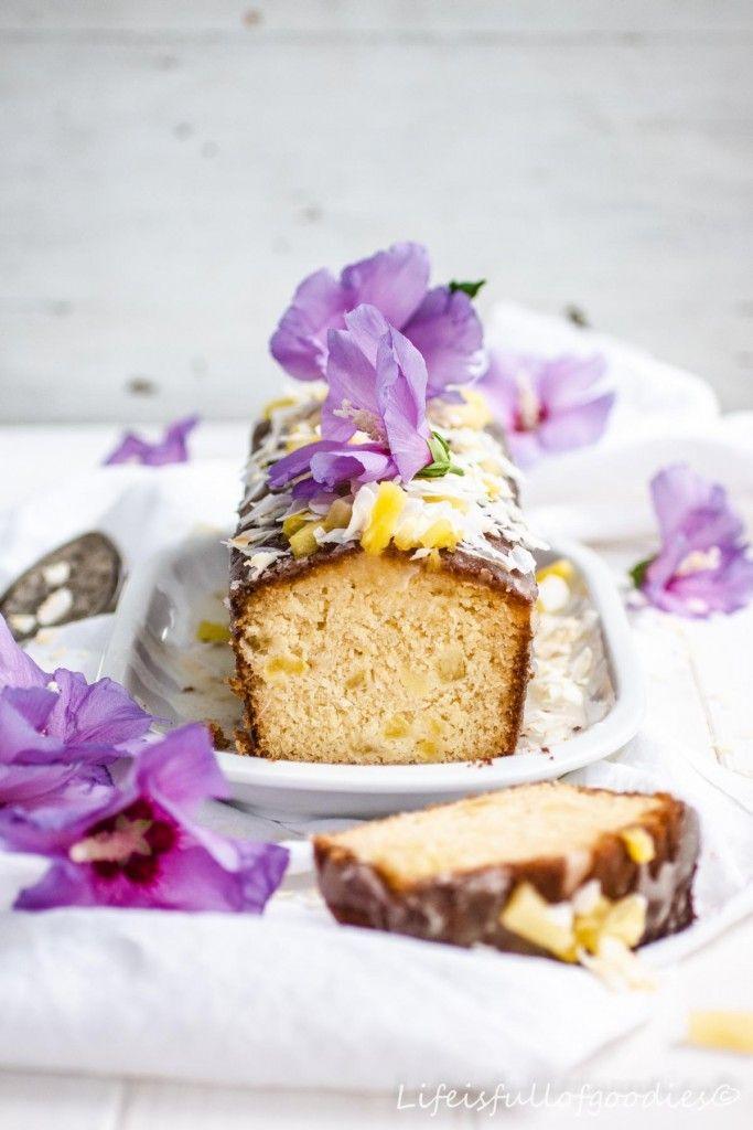 Pineapple And Coconut Cake With Edible Flowers Kokoskuchen Kokosnusskuchen Lecker
