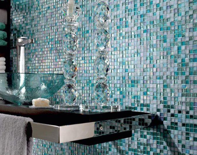 Risultati immagini per bagno bianco e turchese bathrooms - Piastrelle in mosaico per bagno ...