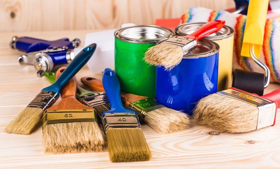 Nettoyer Et Ranger Ses Pinceaux Apres Des Travaux De Peinture Une Fois La Peinture Effectuee L Outils De Peinture Nettoyage Des Pinceaux Travaux De Peinture