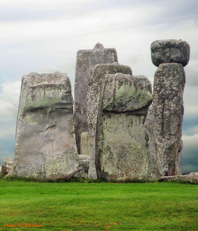 Mysterious Places Stonehenge: : The Megalithic Portal And Megalith Map: