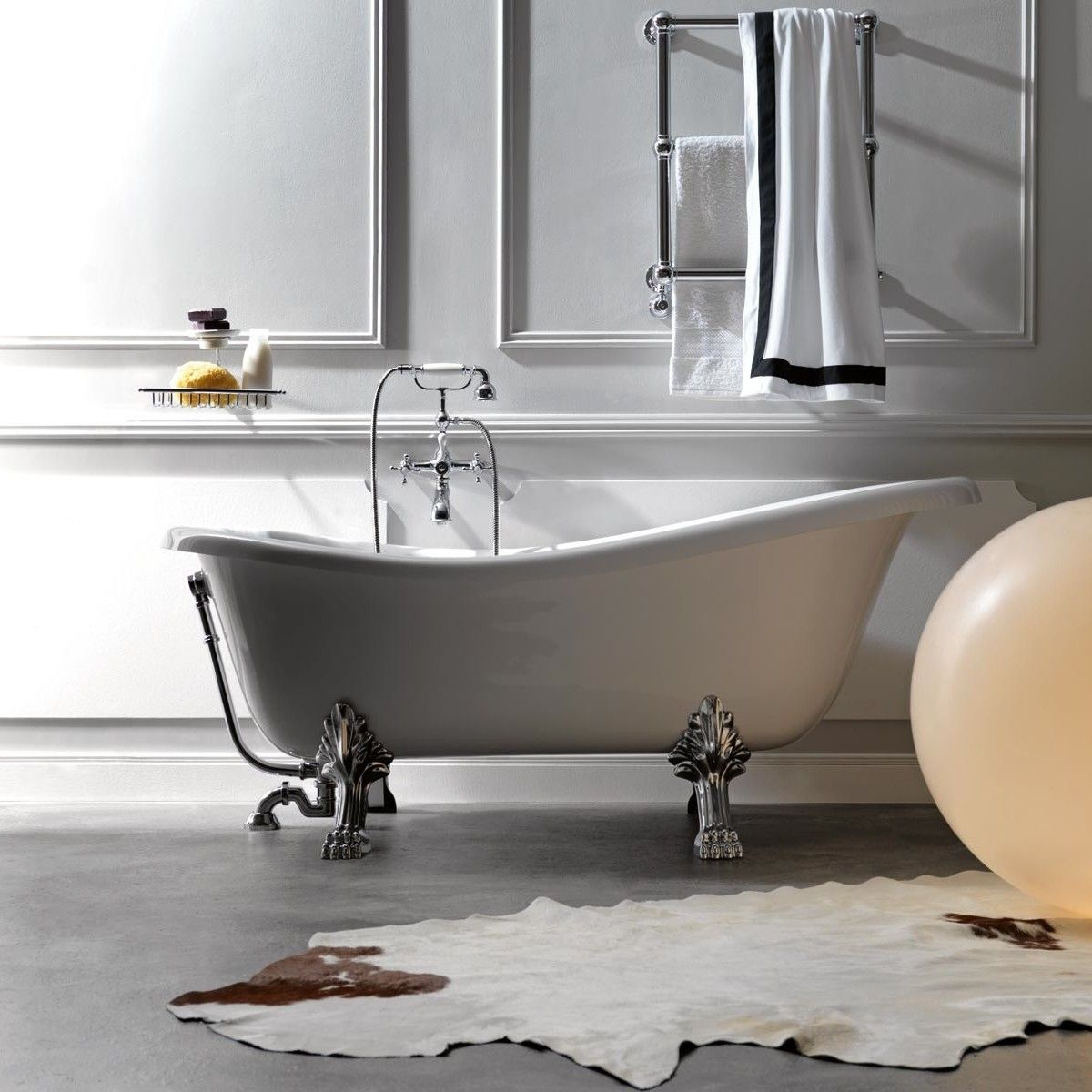 Retro 1051 Glass Resin Bathtub In White with Metal Feet From the ...