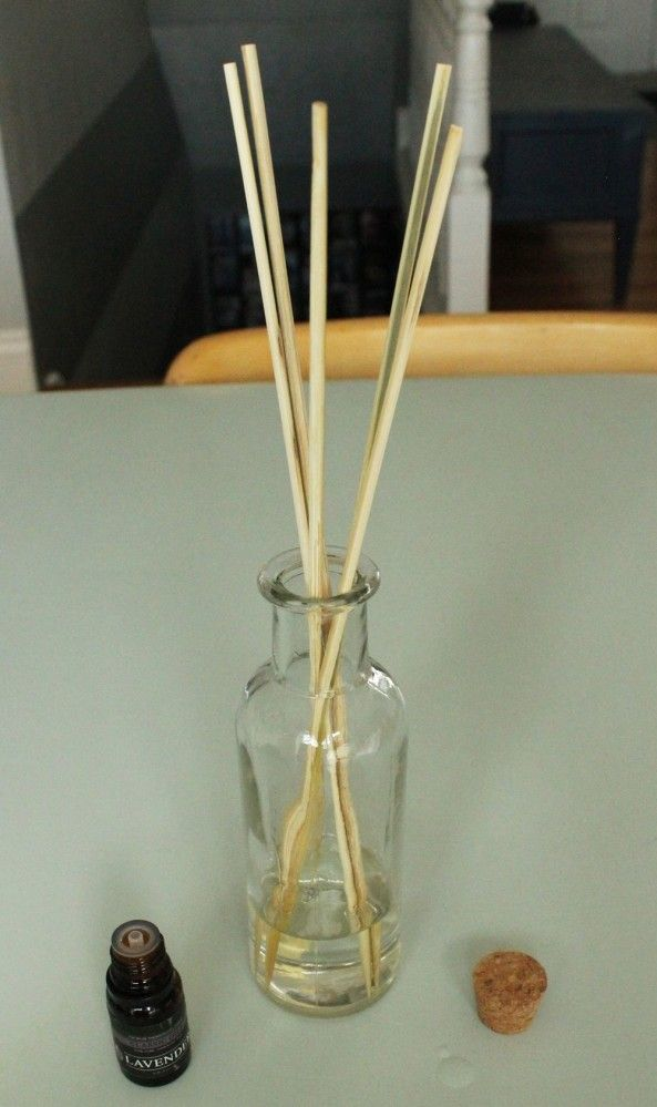 comment fabriquer soi m me son diffuseur d huiles essentielles astuce pour moustiques. Black Bedroom Furniture Sets. Home Design Ideas