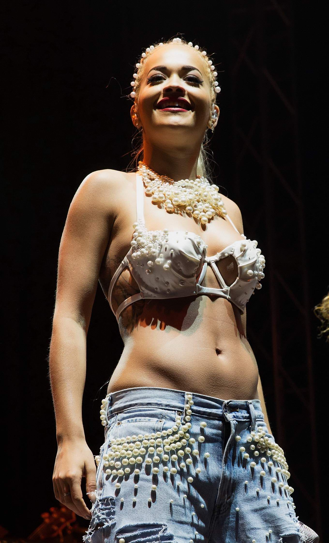 Discussion on this topic: Mel gibson can drink again sort of woo, rita-ora-topless/