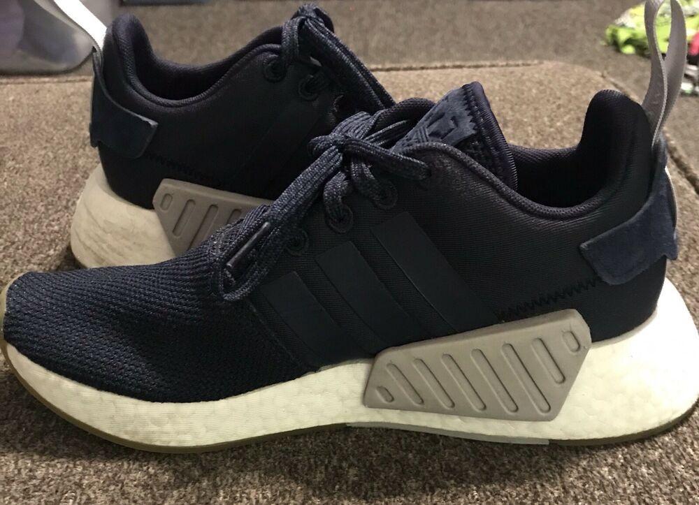 Adidas Womens Size 7 Originals NMD R2
