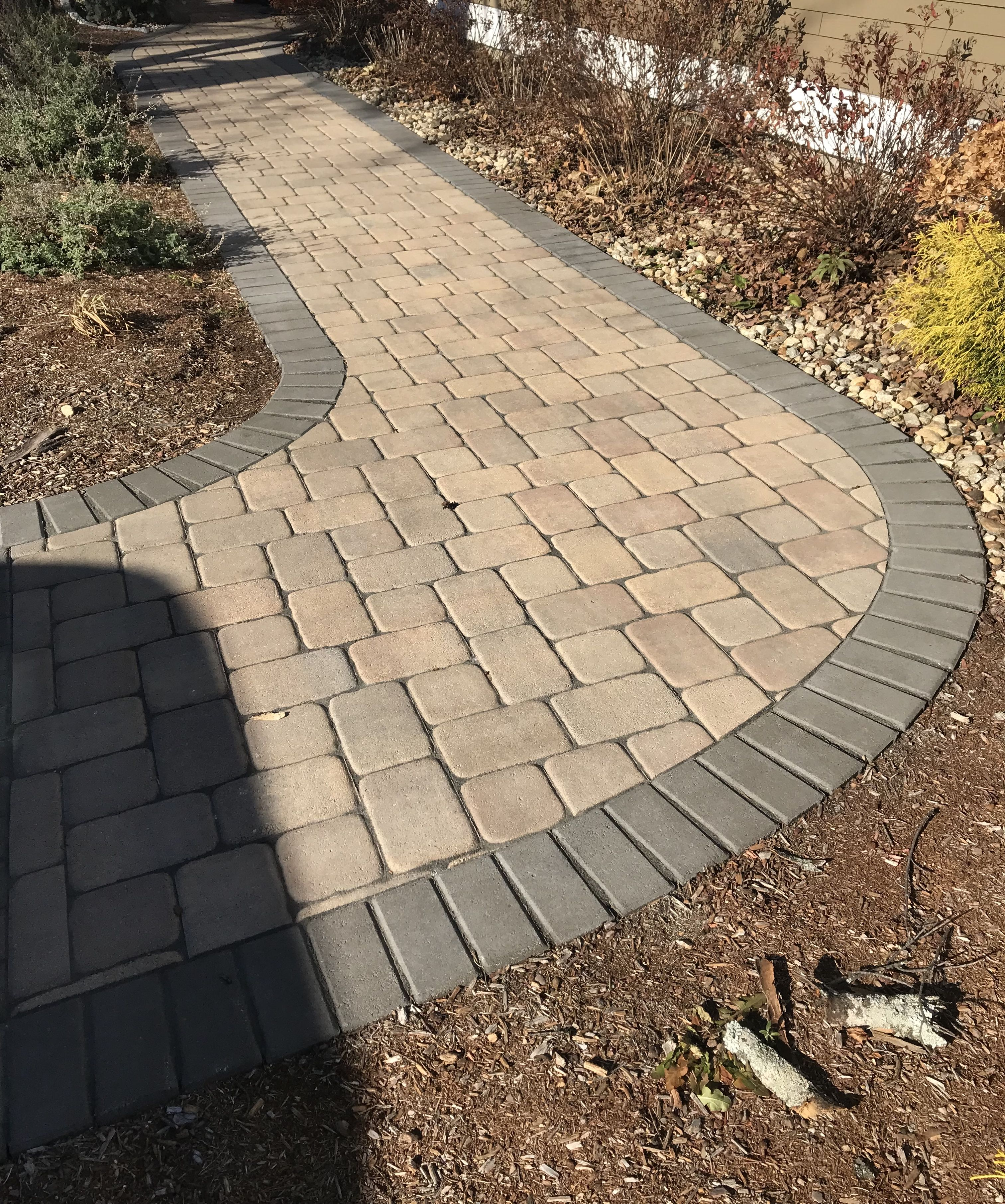 Belgard London Cobble Danville Rectangles And Square Walkway With A Charcoal Holland Stone Border Landscaping Tools Hardscape Paver Designs