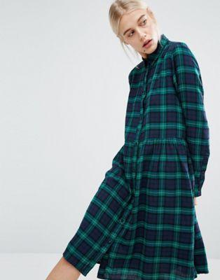Monki - Robe chemise mi-longue à carreaux écossais en exclusivité ... ddad1a924743
