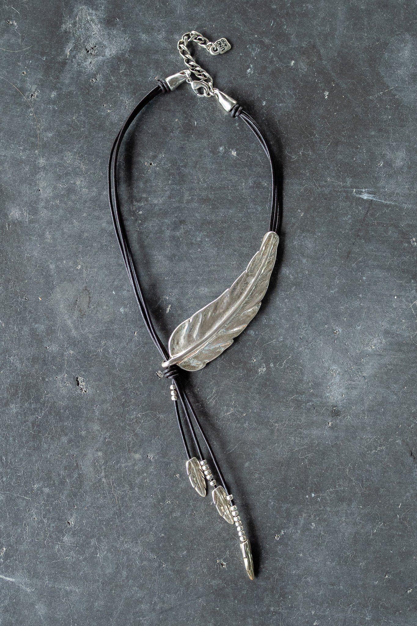 6ef129a16e59 Uno de 50 Me Gusta Feather Necklace. Uno de 50 Me Gusta Feather Necklace  Women s Jewelry ...