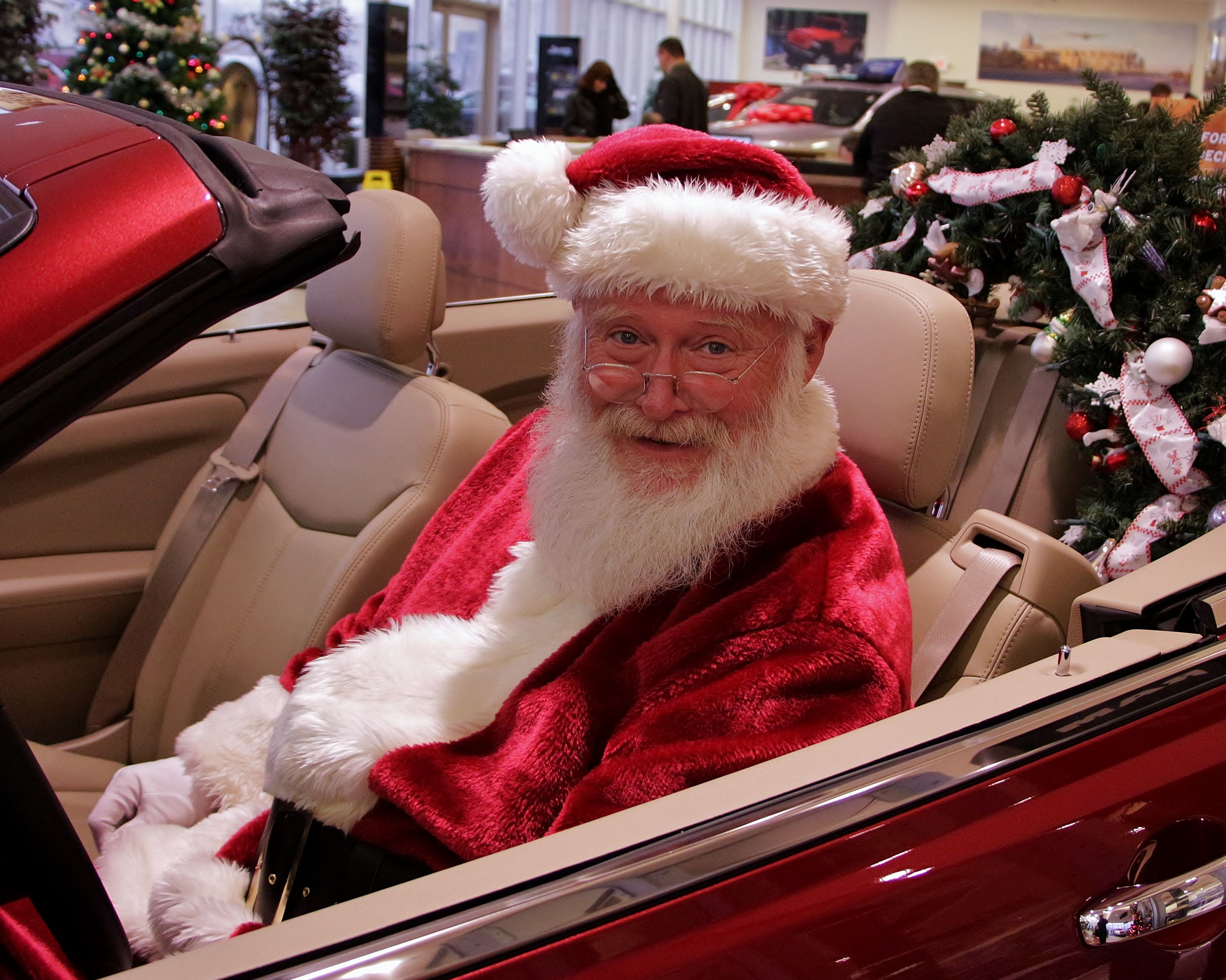 Santa Claus couldn't be happier with the color and wreath in this Chrysler 200