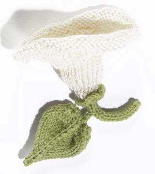 Knit Flower Morning Glory:  #knit #knitting #free #pattern #freepattern #freeknittingpattern #freeFlowersKnittingPatterns