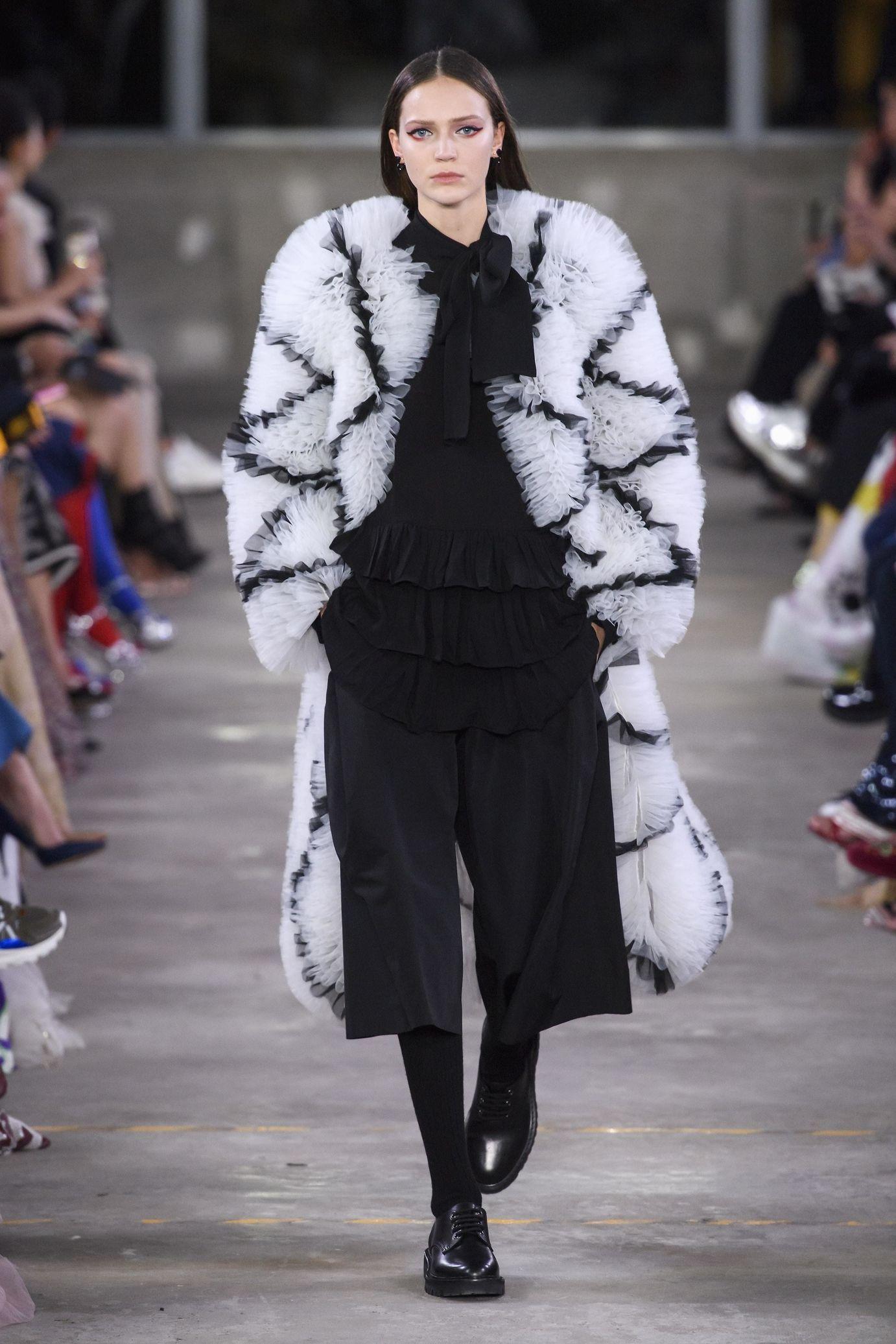 New Fall Shows 2020.Valentino Pre Fall Winter 2019 2020 Fashion Trendy