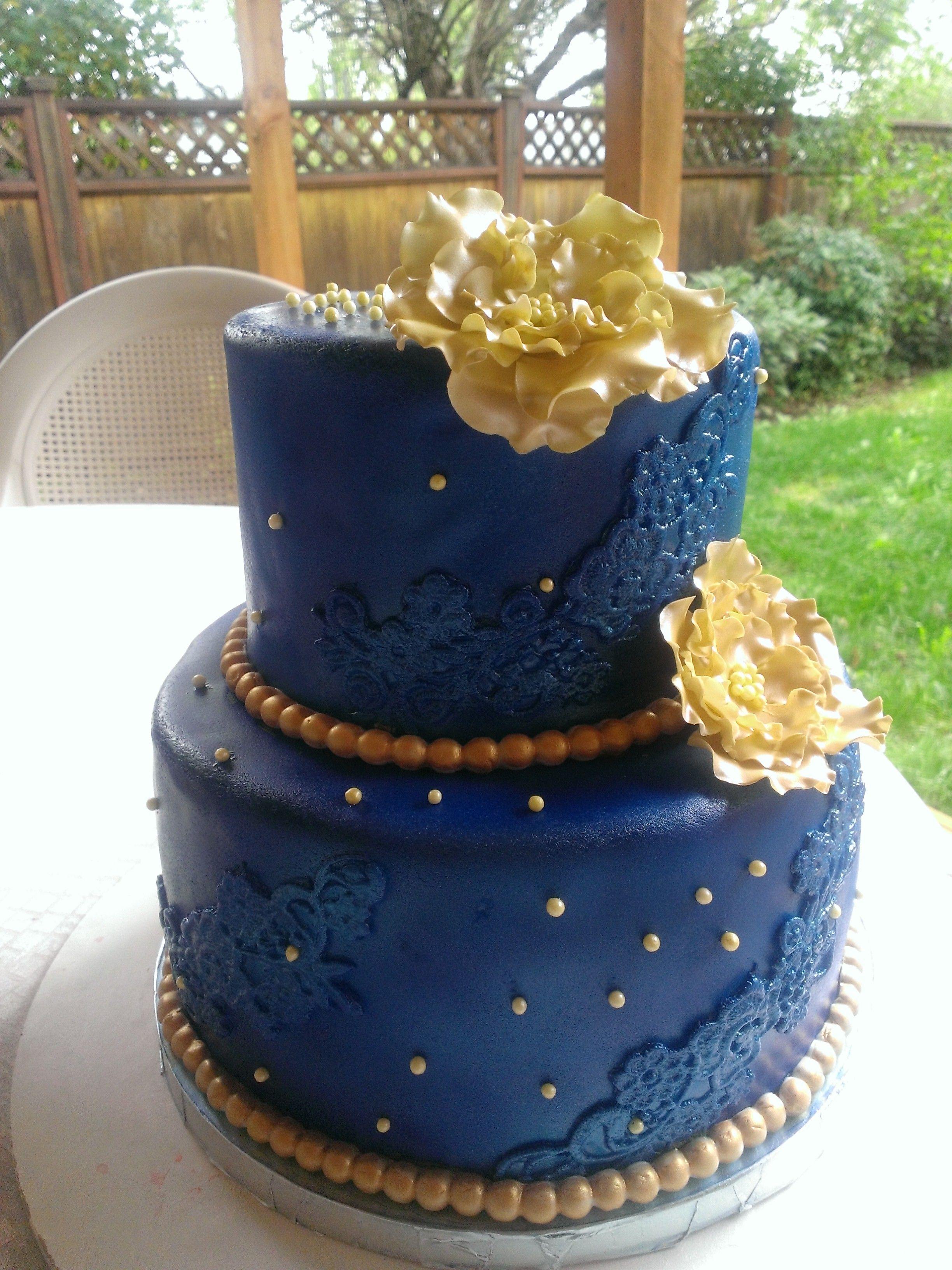 Royal Blue and Gold cake Cakes by Mavia