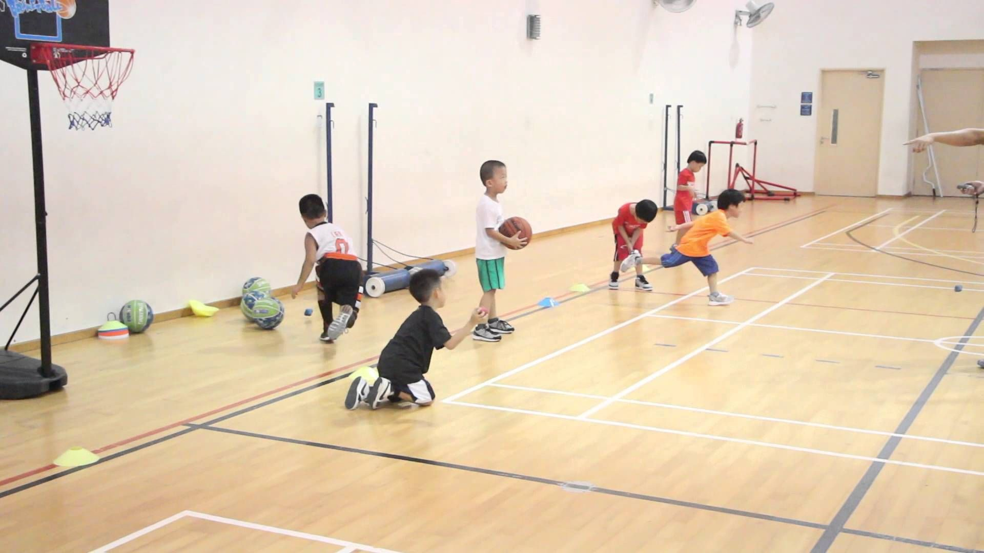 Basketball Training Lesson Singapore Basketball Startyoung Sgbasketball Singaporebasketball Sgbball Bask Basketball Academy Sports Picks Basketball Drills