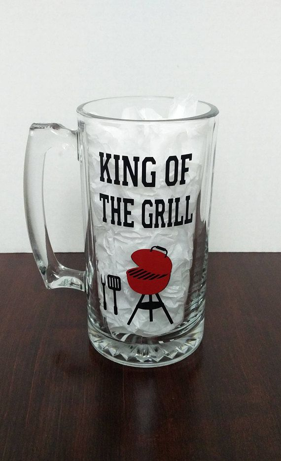 Ready To Ship King Of The Grill Large Glass Beer Mug With Vinyl