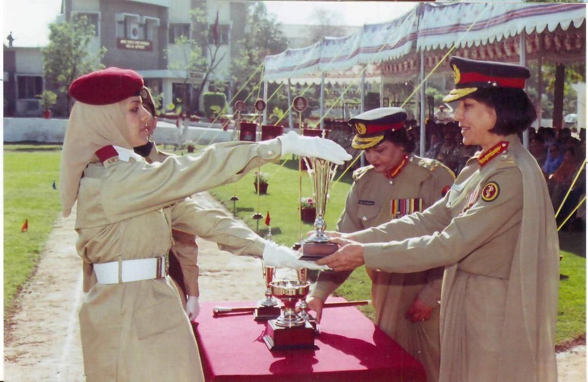 Photos of Female Commission Officers in Pak Armed Forces