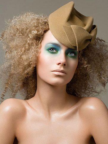 love it- hat, makeup, hair, skin, everything