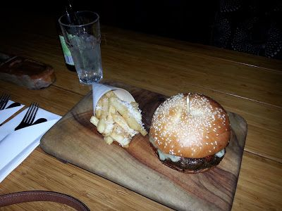 What would Martha do : Opera Kitchen - Burger with Parmesan and truffle chips