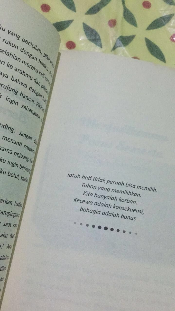 Kata Kata Novel Ketika Tuhan Jatuh Cinta : novel, ketika, tuhan, jatuh, cinta, Dzikraa, Kutipan, Buku,, Kata-kata, Motivasi,, Ungkapan, Romantis