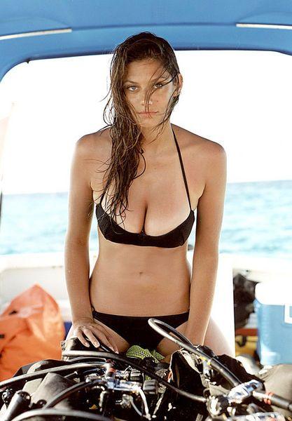 Scuba diving sexy women