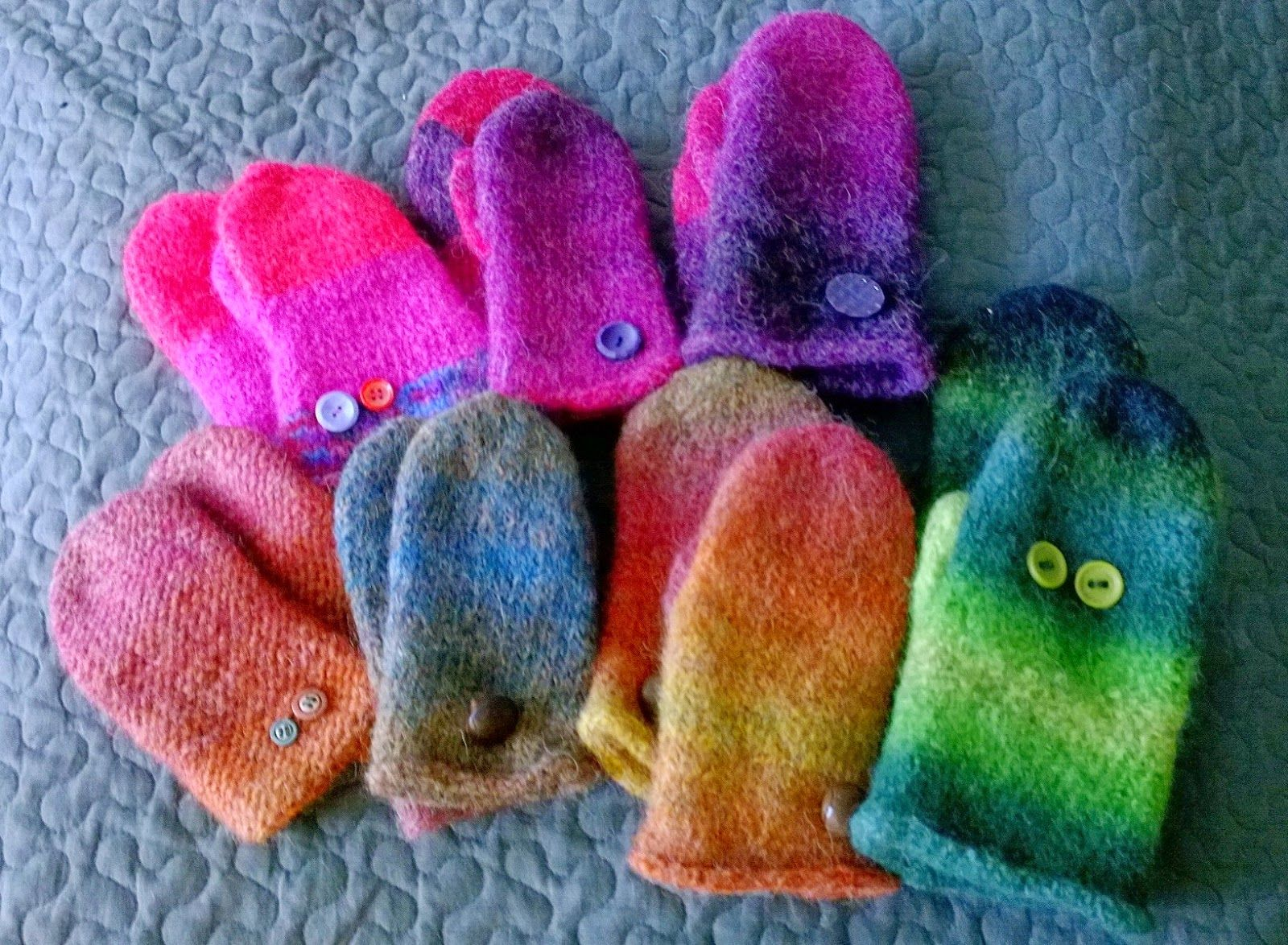 Huopalapaset ja rumpukuivaajahuovutus, Mummin vuodenajat: Miun oma villakammari - My wool chamber