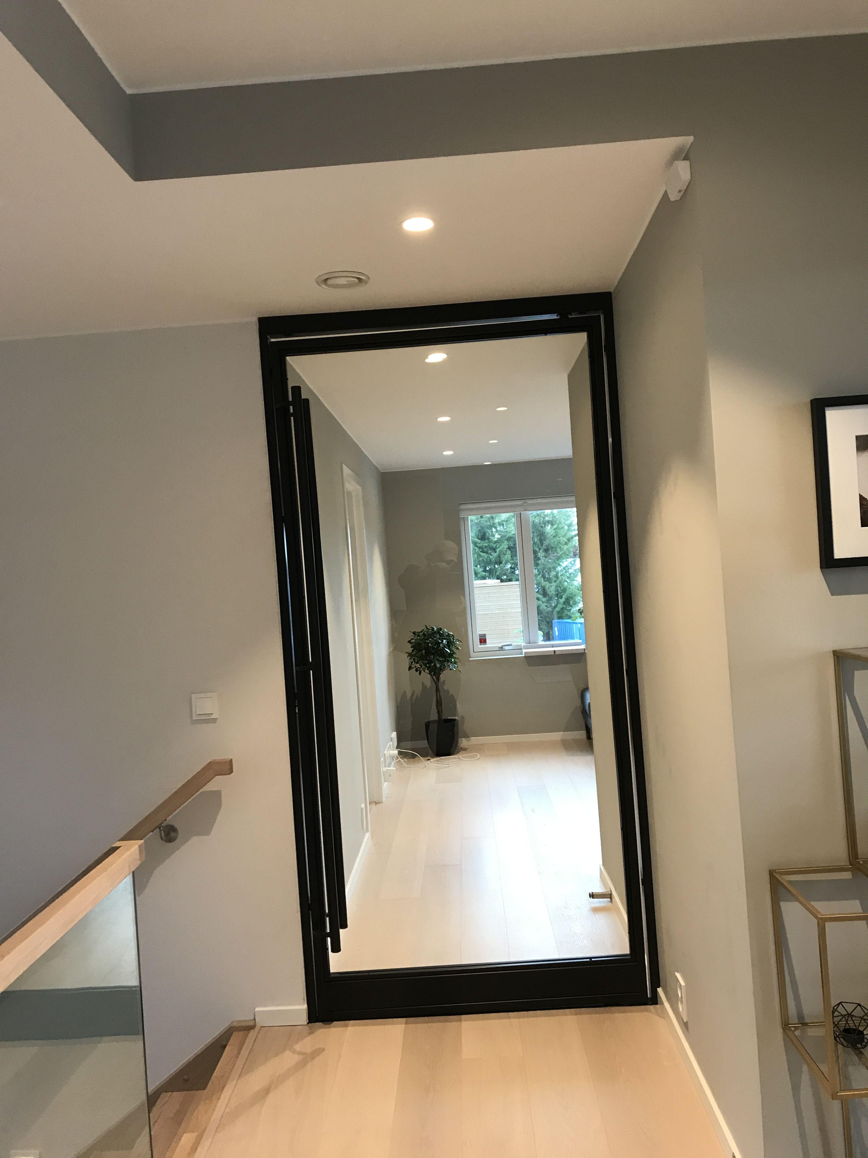 Hallway door in glass and steel