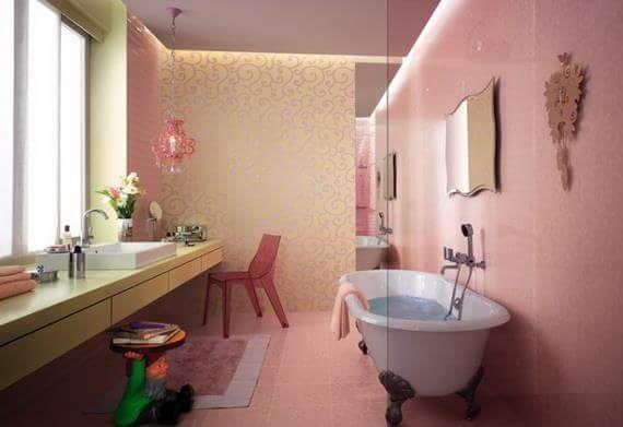 baño en color rosa con tina blanca Baños Pinterest