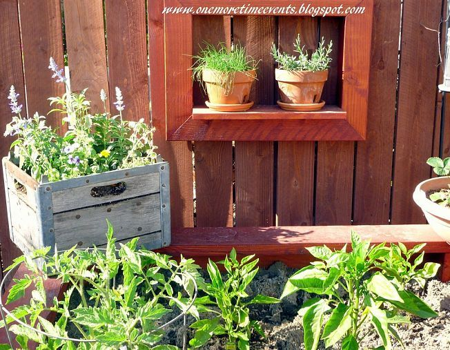 Re Purposed Old Milk Crate Diy Garden Milk Crates Garden Pots